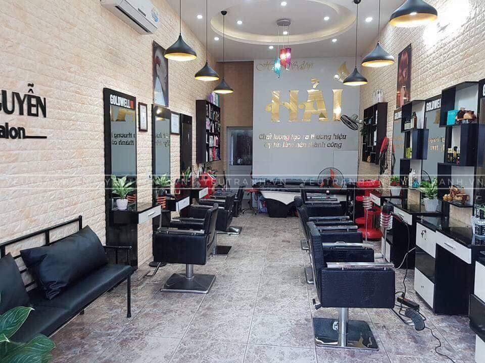 Ứng dụng trang trí tường salon tóc bằng xốp dán tường 3d